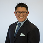 Dr. Thomas Kang is one of the finest dental implants dentists near Edmonds.